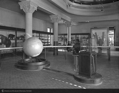 http://images.library.amnh.org/d/t/8x10/0001/00032182_l.jpg